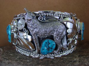 Large Navajo Indian Turquoise Sterling Silver Howling Lobo Wolf Bracelet Thomas Yazzie HE308