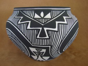 Native American Acoma Fine Line Pot Hand Painted by K. Joe!