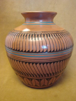 Navajo Indian Pottery Hand Etched Pot! Native American