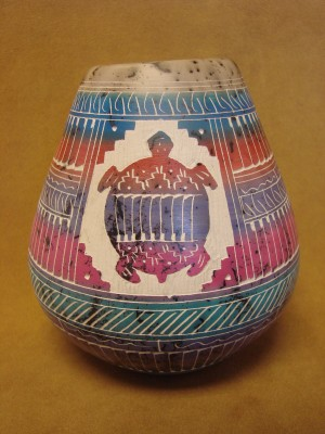 Native American Indian Pottery Etched and Painted Horse Hair Vase! Navajo