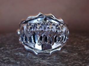 Native American Jewelry Sterling Silver Wolf Ring! Size 10 1/2 Roberta Begay