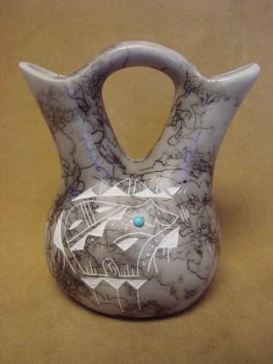 Navajo Indian Horsehair Hand Etched Bear Wedding Vase! Edsitiy