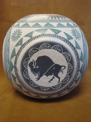 Navajo Indian Pottery Hand Etched Four Corners Pot by Betty Sam! Native American