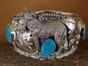 Large Navajo Indian Turquoise Sterling Silver Howling Lobo Wolf Bracelet Thomas Yazzie HE309