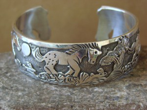 Native American Jewelry Sterling Silver Storyteller Horse Bracelet - Becenti BB0183