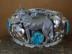 Large Navajo Indian Turquoise Sterling Silver Howling Lobo Wolf Bracelet Thomas Yazzie HE310
