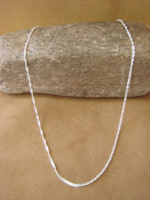 """Southwestern Jewelry Sterling Silver Singapore Chain Necklace 22"""" Long x 1/16"""""""