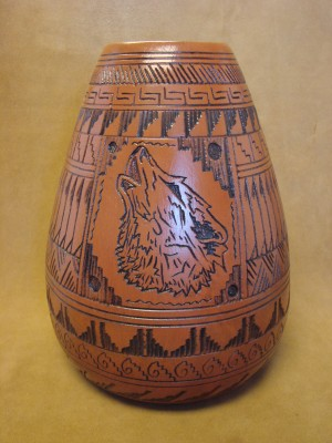 Navajo Indian Pottery Hand Etched Howling Wolf Vase by Watchman! Native American