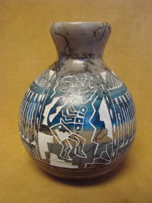 Native American Indian Pottery Etched and Painted Kokopelli Horse Hair Vase! Navajo