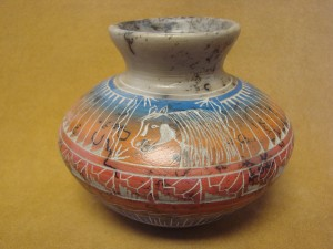 Native American Indian Pottery Etched Horse Painted Horse Hair Vase! Navajo