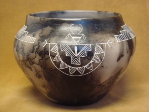 Native American Pottery Hand Etched Pot by Gary Yellow Corn! Acoma Pueblo