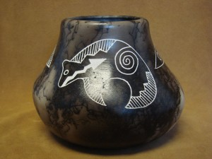 Native American Pottery Hand Etched Arched Bear Pot by Gary Yellow Corn! Acoma Pueblo
